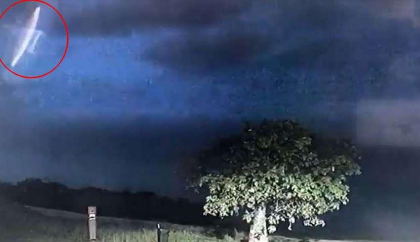 La policía de australiana muestra vídeo de un OVNI
