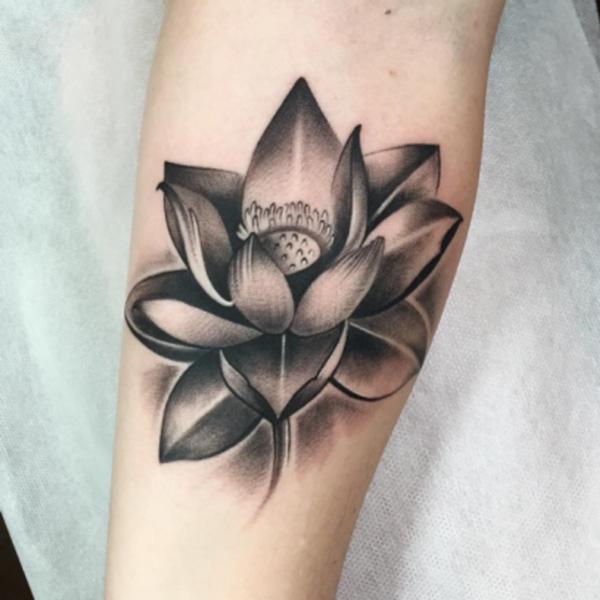 significado de los tatuajes de flor de lotto
